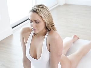 Flexible Mia Malkova Fucked On The Yoga Mat
