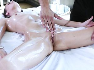 Hot And Skinny Girl Kacy Lane Fucks Her Masseur
